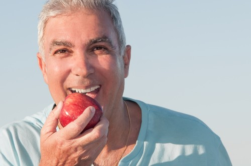 New Study Shows Frailty Linked to Oral Health Problems in Older Men