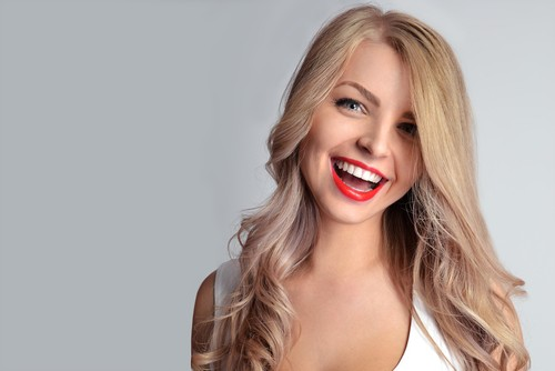 8 Benefits to Whiter Teeth