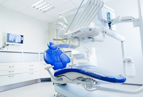 A Dental Visit Before Cancer Treatment Can Help Prevent Infection